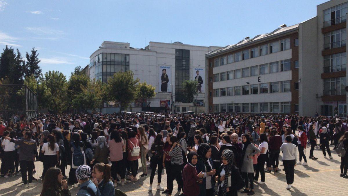 İstanbul'da deprem! Son dakika!