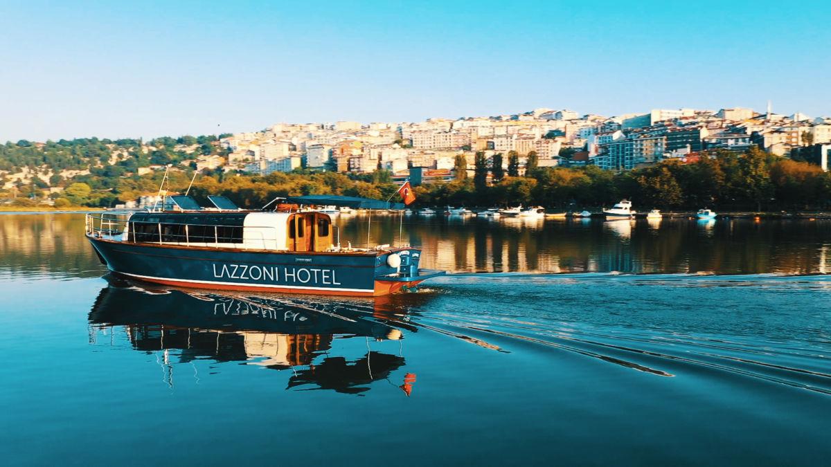 """Yaz Bitmeden """"Lazzoni"""" Teknesi İle İstanbul'u Denizden Keşfedin"""