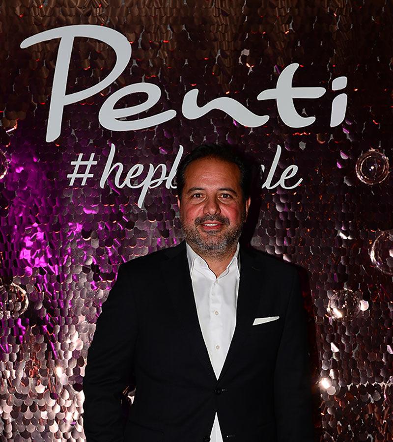 Penti'nin yeni reklam yüzü Özge Gürel oldu