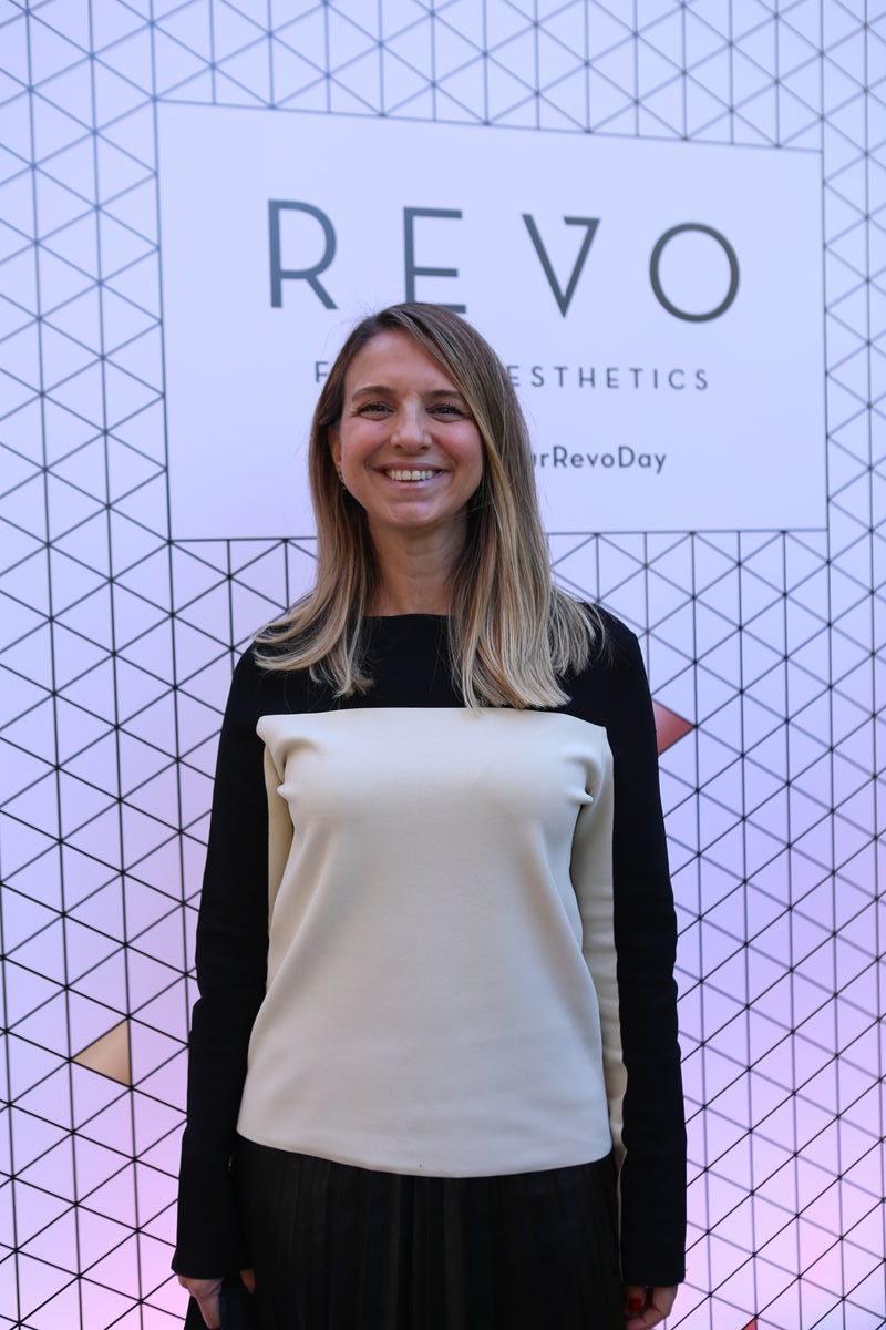 Revo Klinik Açılışına Ünlü Akını