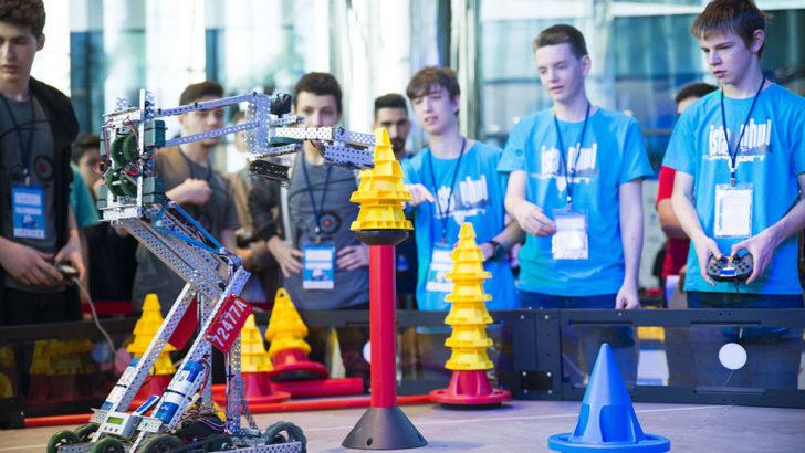 Türk öğrenciler, dünyadan rakipleriyle robotlarını yarıştıracak