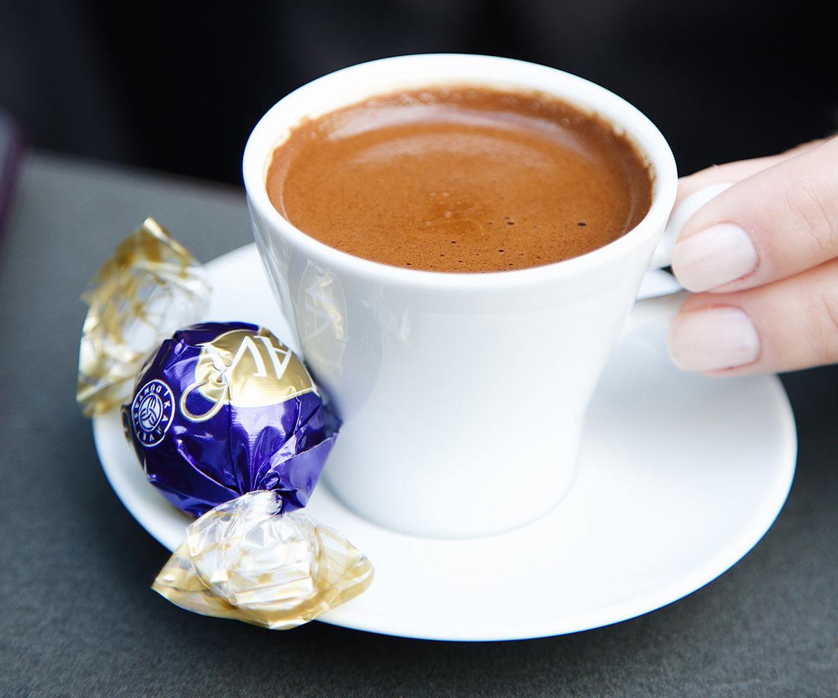 Kahve Dünyası Dünya Türk Kahvesi Günü'nü Misafirleriyle Birlikte Kutladı