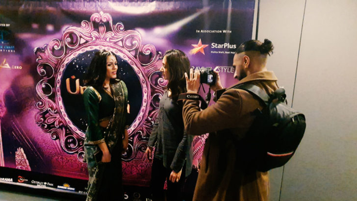 """Ünlü sanatçı Eylem, Londra'da sahnelenen dev """"Umrao Jaan Ada"""" müzikaline özel davetli olarak katıldı"""
