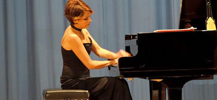 KKTC Devlet Sanatçısı Konser Piyanisti Rüya Taner 2020'de Türkiye'de