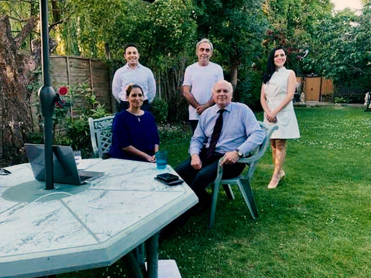 İngiltere İçişleri Bakanı Priti Patel ünlü şarkıcı Eylem'in Londra'da ki evine misafir oldu
