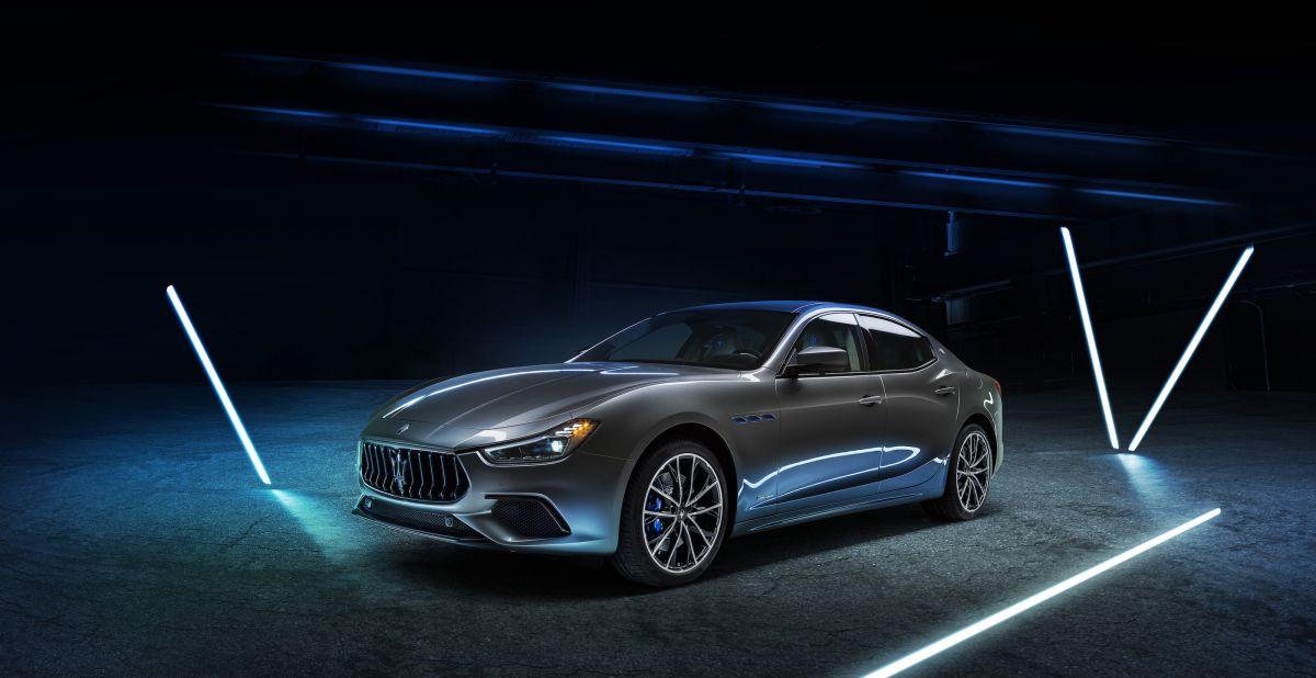 """Maserati Tarihinin İlk Elektrikli Modeli """"Ghibli Hybrid"""""""