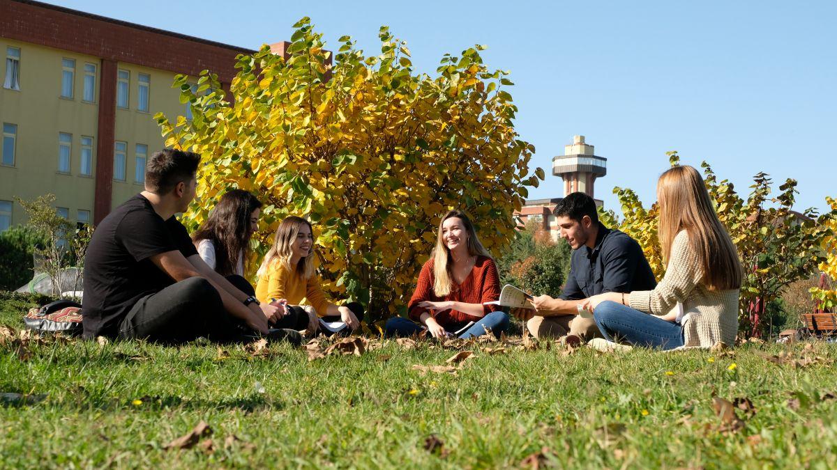 Öğrenciler üniversitelerine puan verdi