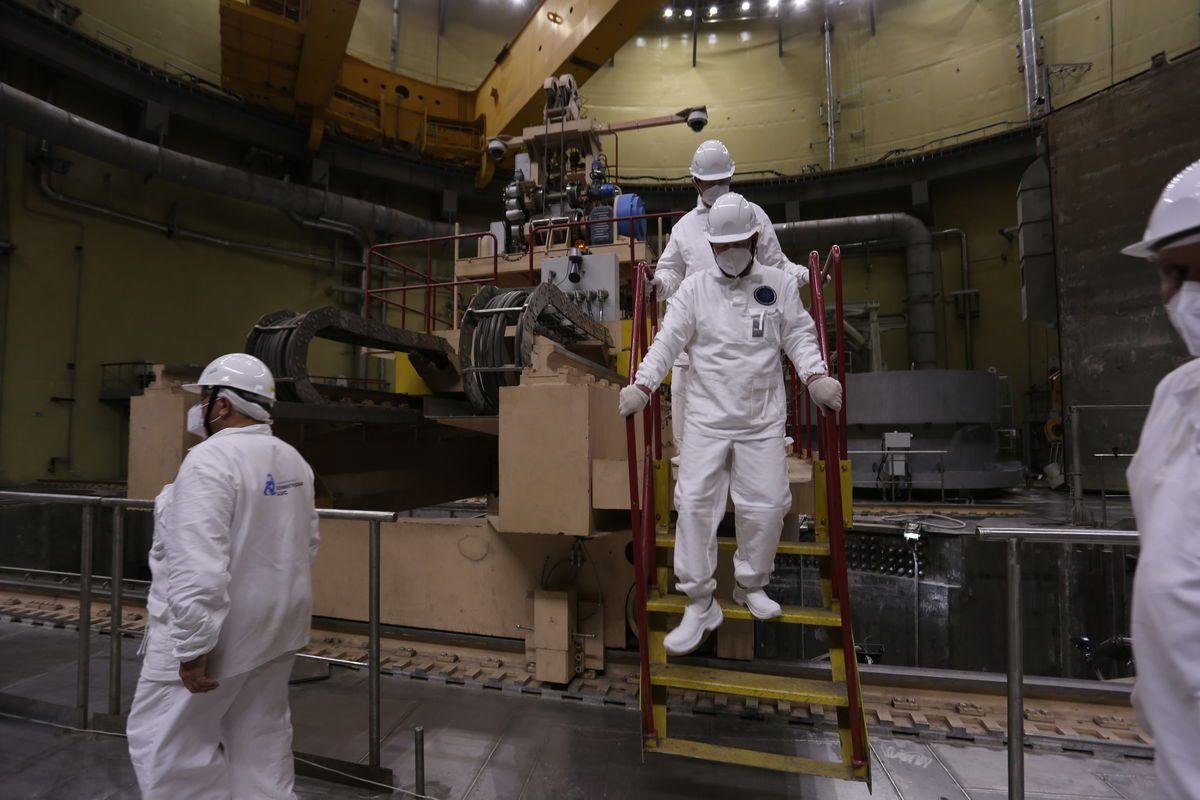 Rosatom, Leningrad NGS-2'nin 2. Güç Ünitesinde Yakıt Yüklemesi Başladı