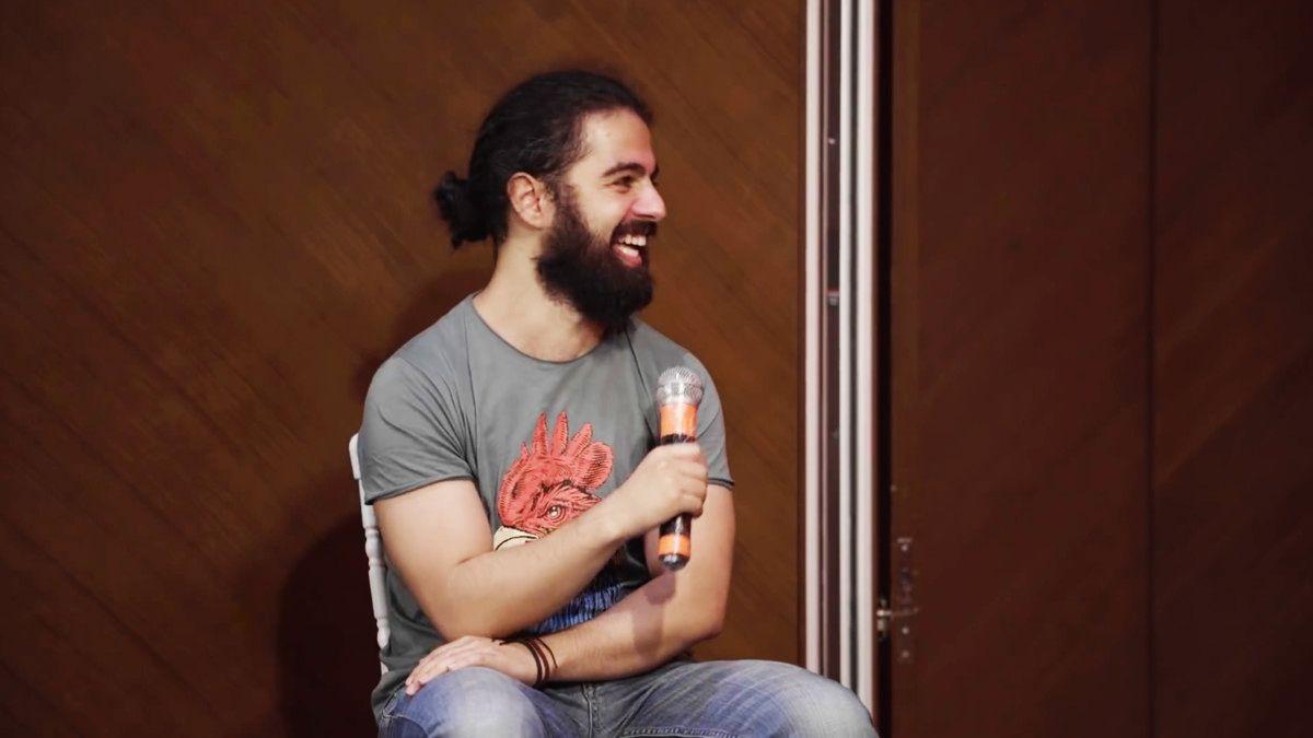 """Hasan Can Kaya """"Gülmek insana iyi geliyor"""""""