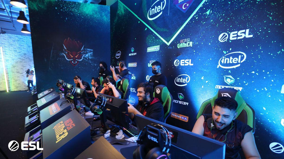 Intel ESL Türkiye CS:GO Şampiyonası 2020'de kupanın sahibi Sangal Esports oldu