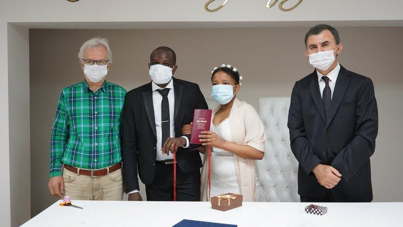 """Haitili çift Lüleburgaz'da evlendi """"Artık burası bizim evimiz"""""""