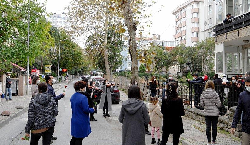 Öğretmenler Gününde Banvit'ten Remziye Alper'e 24 Kasım Sürprizi