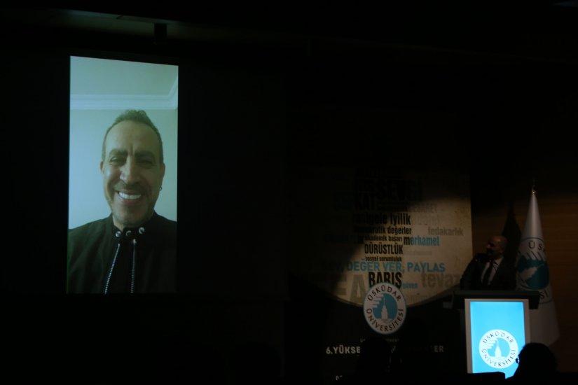 AHBAP Derneği Başkanı Haluk Levent'e anlamlı ödül