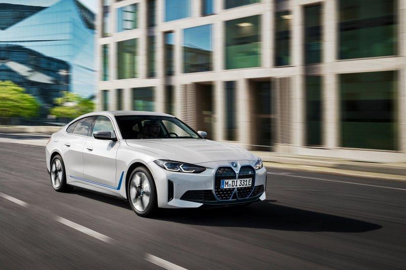 Tamamen Elektrikli ilk Gran Coupé BMW i4 Yollara Çıkmaya Hazır