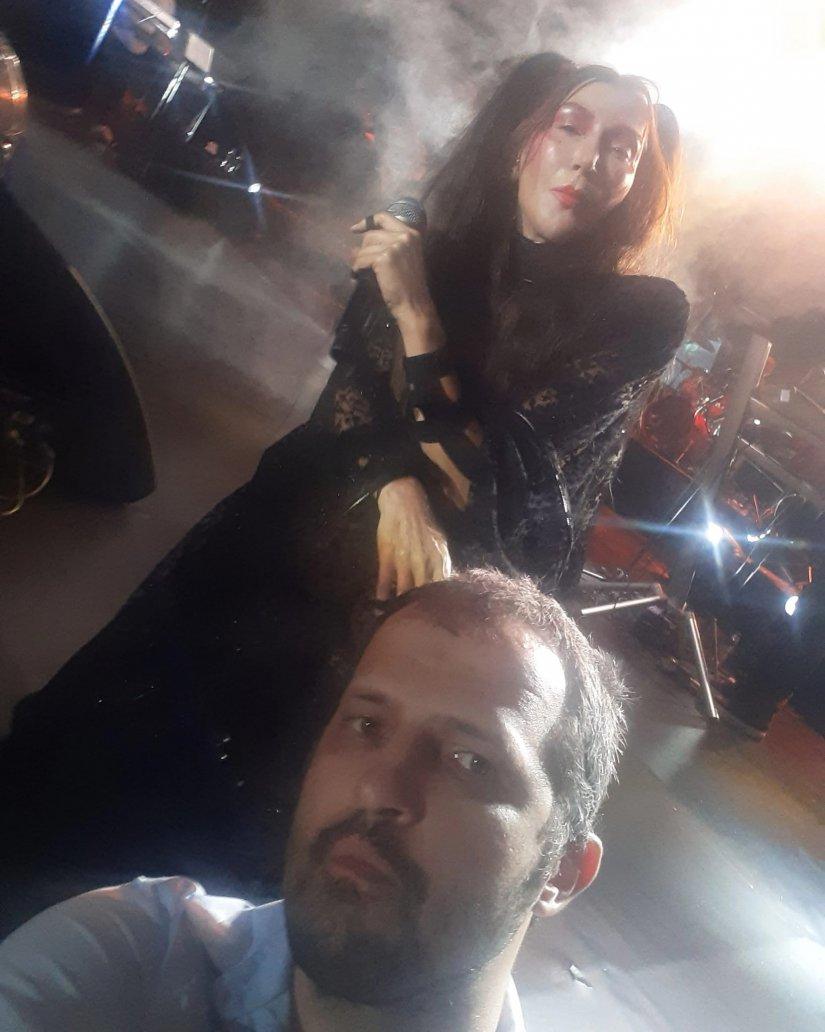 Hande Yener'in Paraf Kuruçeşme sahnesinde yıldız yağmuru