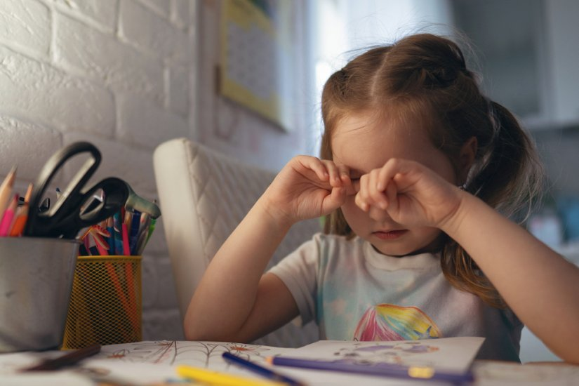 Çocuklarda görme bozukluğuna işaret eden 8 önemli belirti!