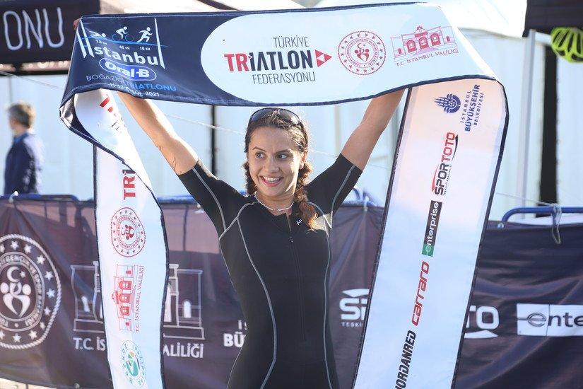 Dünyanın ilk kıtalararası Triatlon yarışmasına tüm dünyadan 500 triatlet katıldı